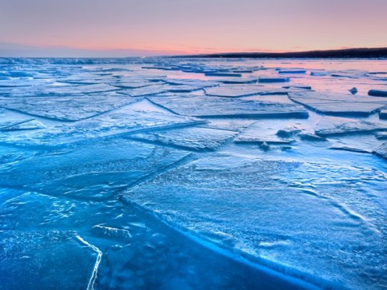 icy-lake-superior-minnesota