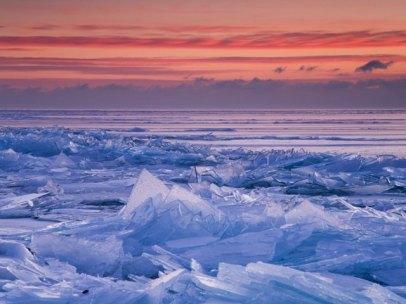 winter-dawn-lake-superior-near-duluth-minnesota