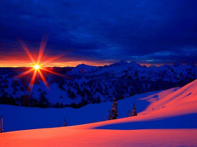 winter-sunrise-over-the-tatoosh-range-mount-rainier-washington