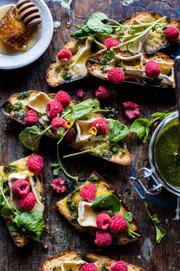 Honey-Raspberry-Brie-Crostini-with-Basil-Oil-1
